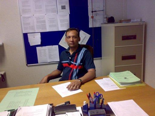 Dr Himanshu Narayan